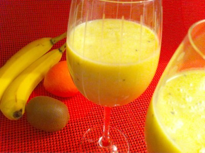 Kiwi-Banana-Pineapple-Orange Smoothie